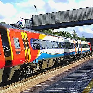 Alfreton Station at a quiet time - YouTube